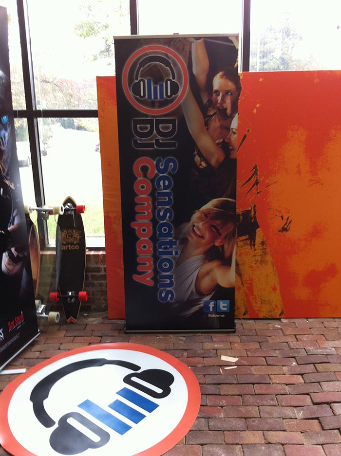 DJ Sensations Banner Stand and Floor Mat